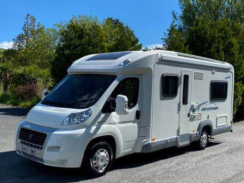 ACE ACE AIRSTREAM 680 FB Motorhome (2008) - Picture 3