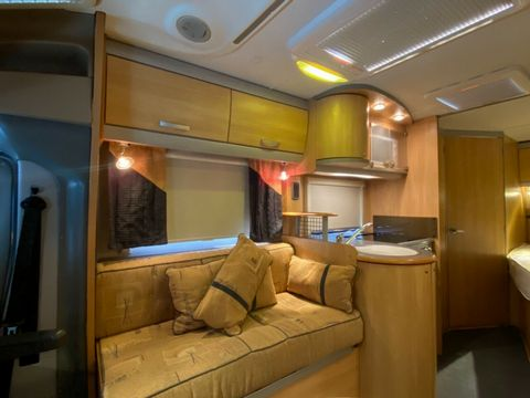 ACE ACE AIRSTREAM 680 FB Motorhome (2008) - Picture 9
